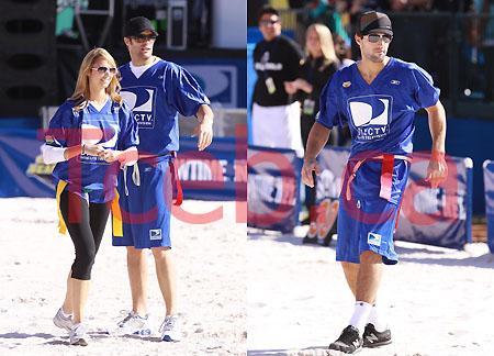 090131 Celebrity Beach Bowl JW002