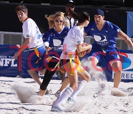 090131 Celebrity Beach Bowl JW001