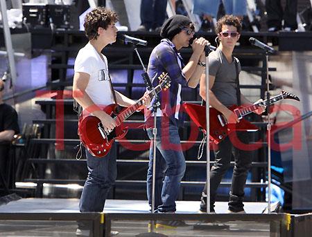 090621 Jonas Brothers JW004