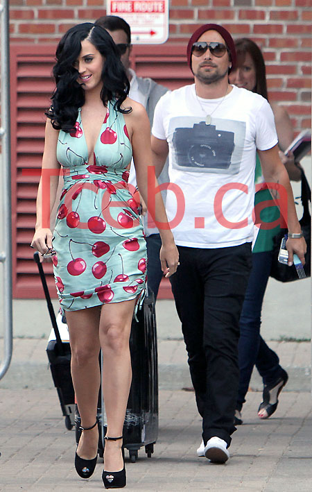 100617 Katy Perry EXCL JW005