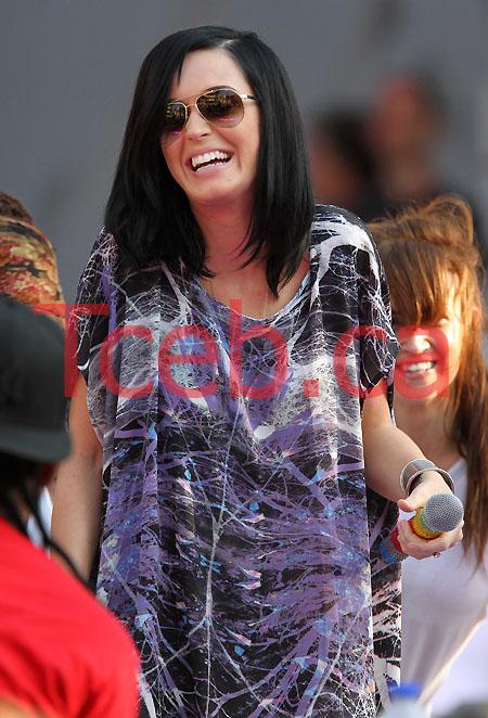 100619 Katy Perry JW030