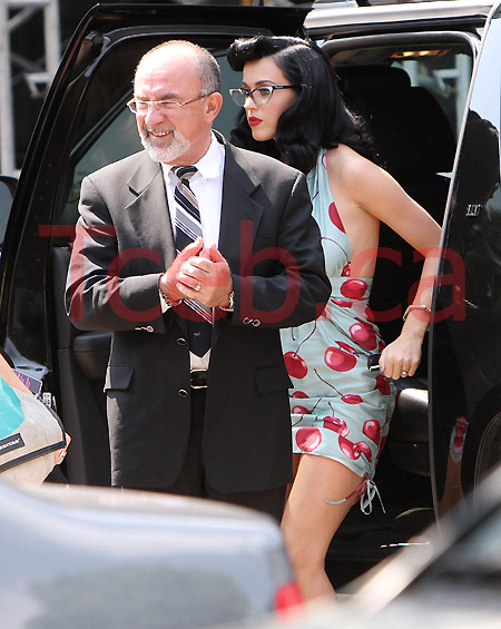 100617 Katy Perry EXCL JW002
