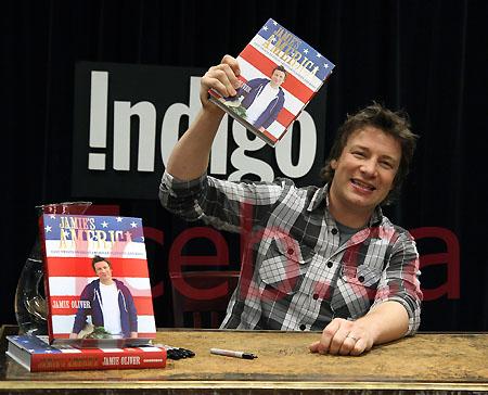 101118 Jamie Oliver JW007