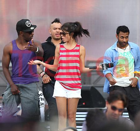 110619 Selena Gomez JW023