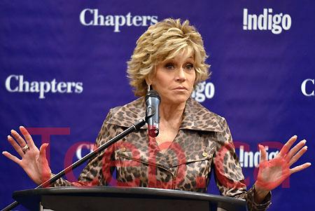 110822 Jane Fonda JW007