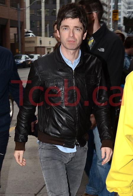 111108 Noel Gallagher JW 001